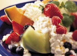 cottage_cheese_and_fruit